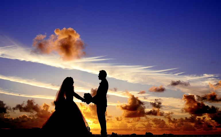 Let us ensure that the most special day of your life is a success. Ask us about our wedding packages.
