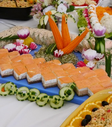 We offer a wide selection of buffet alternatives that can be tailored to fit any occasion.